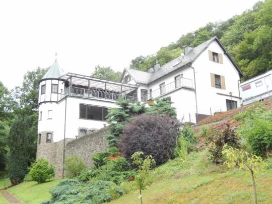 herrenhaus kaufen 16 zimmer 290 m² mayen foto 3