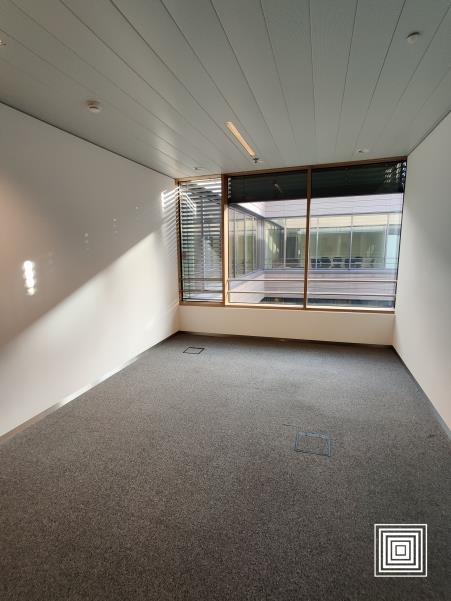 louer bureau 1 chambre 30 m² leudelange photo 4