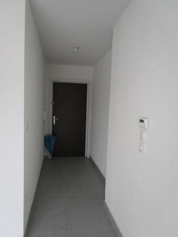 louer appartement 1 pièce 25.92 m² metz photo 6
