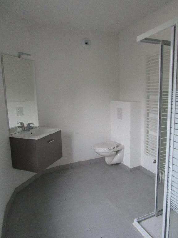 louer appartement 1 pièce 25.92 m² metz photo 3