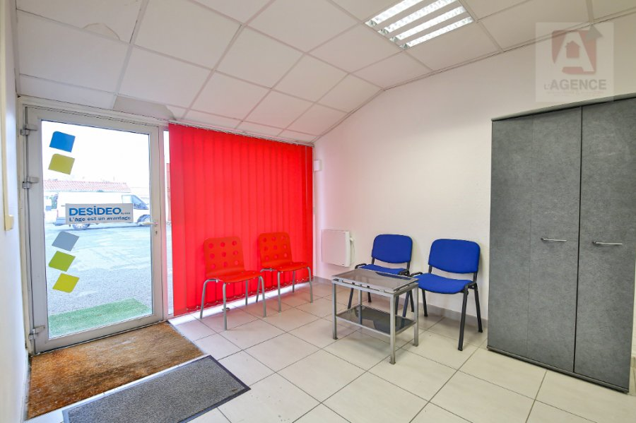 acheter local commercial 0 pièce 125 m² saint-gilles-croix-de-vie photo 2