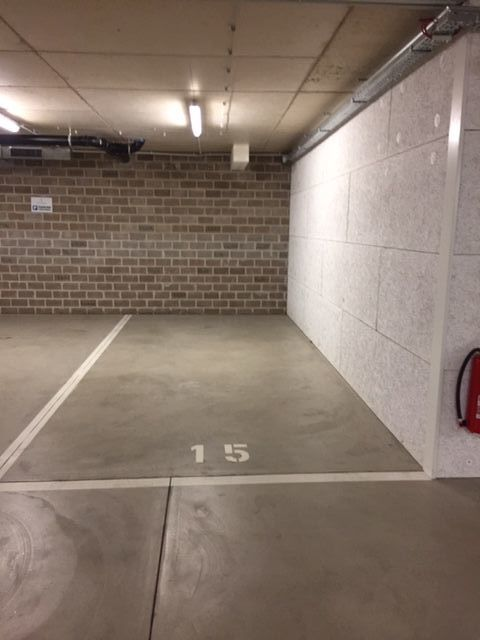 louer garage fermé 0 chambre 13.94 m² luxembourg photo 1