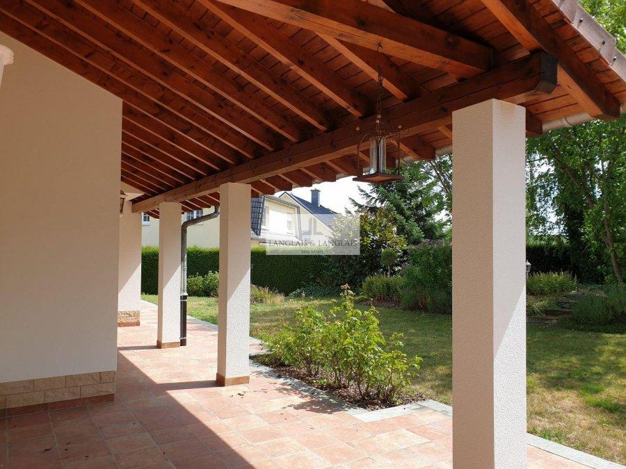 Maison à vendre 5 chambres à Schrassig