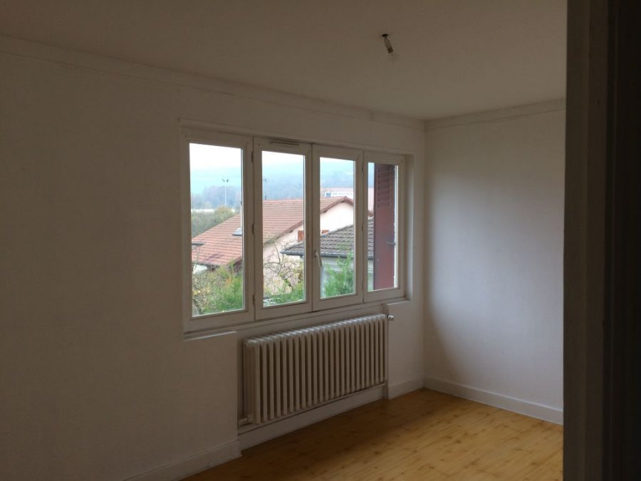 Appartement louer pont mousson 100 m 600 for Garage dubois pont a mousson