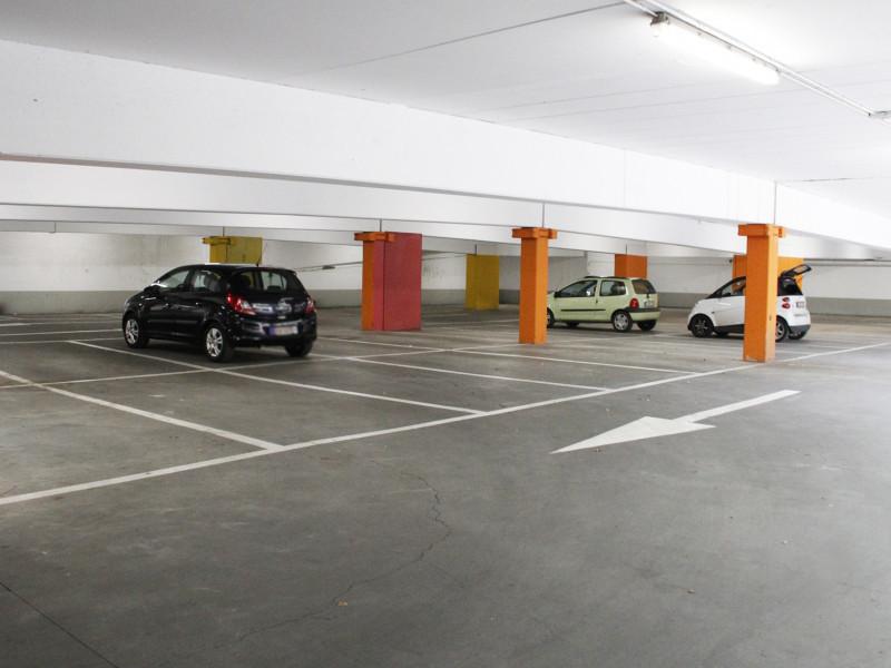 louer garage fermé 0 pièce 0 m² braine-l'alleud photo 1