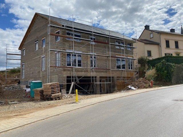 Maison jumelée à vendre 4 chambres à Wecker