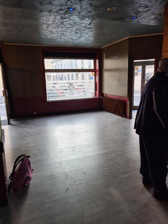 louer local commercial 0 pièce 84 m² nancy photo 2