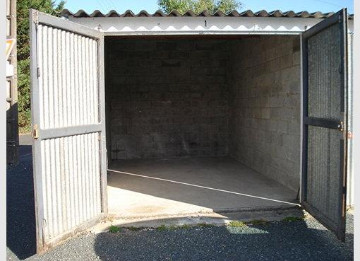 location garage parking fontenay le comte vend e r f 5629996. Black Bedroom Furniture Sets. Home Design Ideas