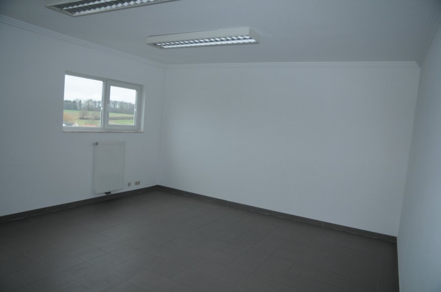 office for rent 0 bedroom 25 m² crauthem photo 4