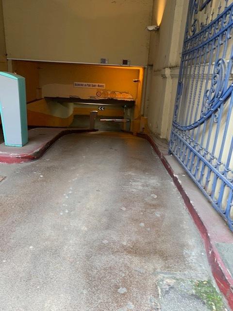 louer garage fermé 0 pièce 0 m² metz photo 2