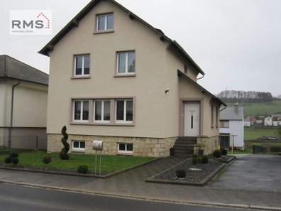 House for sale 5 bedrooms in Niederfeulen - Ref. 6710124