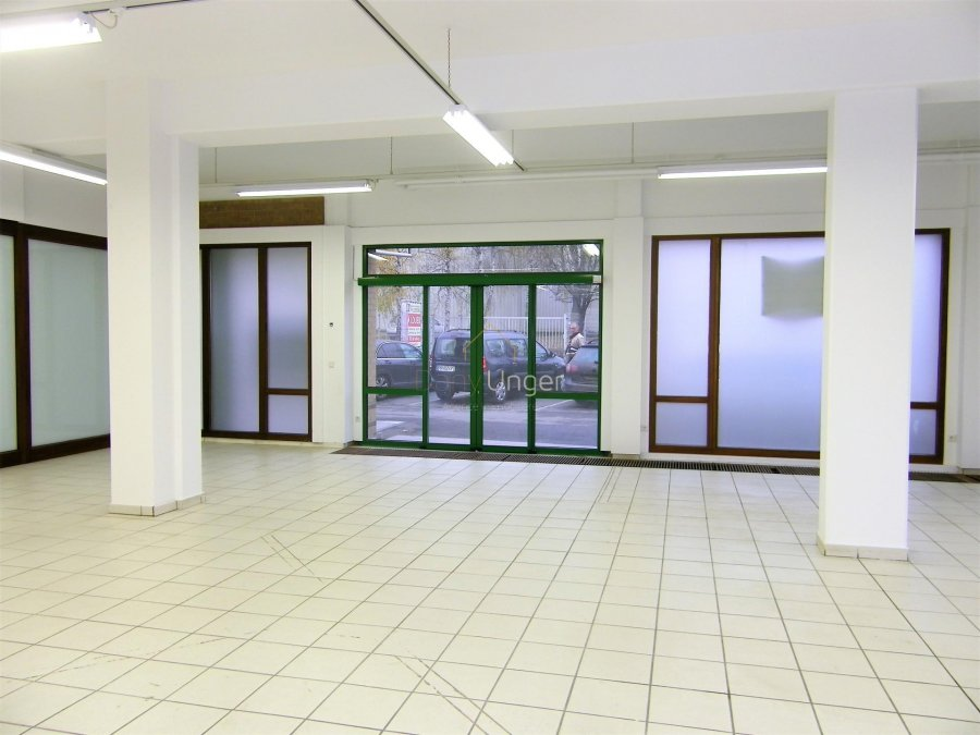 büro mieten 0 schlafzimmer 161 m² strassen foto 4