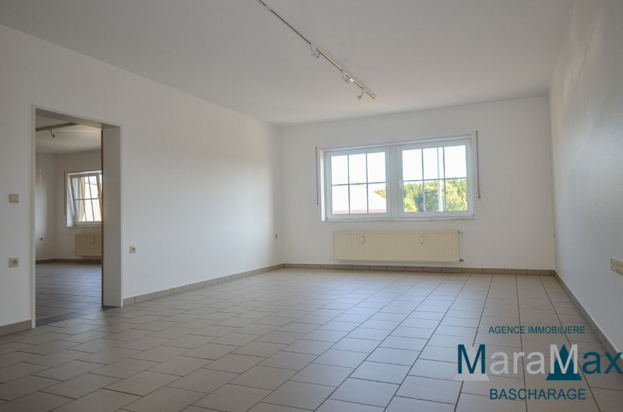 wohnung mieten 4 schlafzimmer 180 m² bascharage foto 2