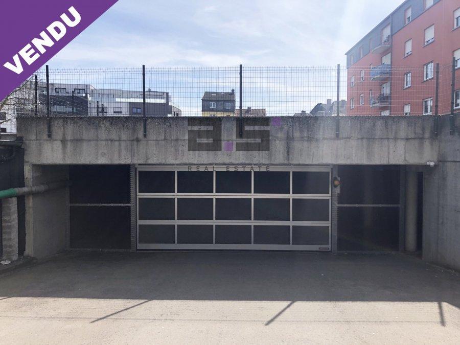Garage fermé à vendre à Kayl