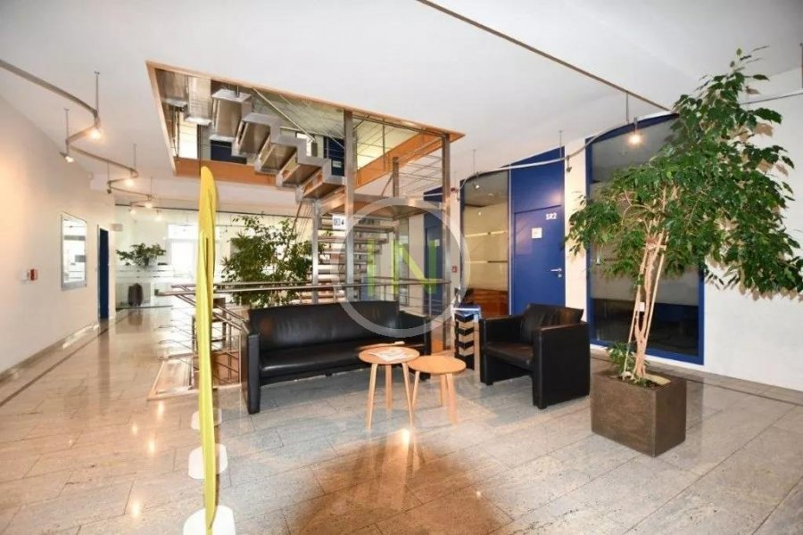 louer bureau 0 chambre 14 m² windhof photo 1