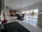 House for sale 6 bedrooms in Wecker - Ref. 7142044