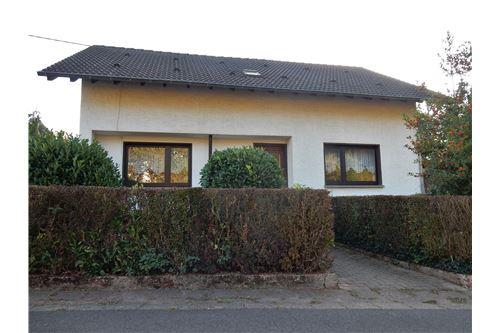 haus kaufen 7 zimmer 153 m² wadern foto 2