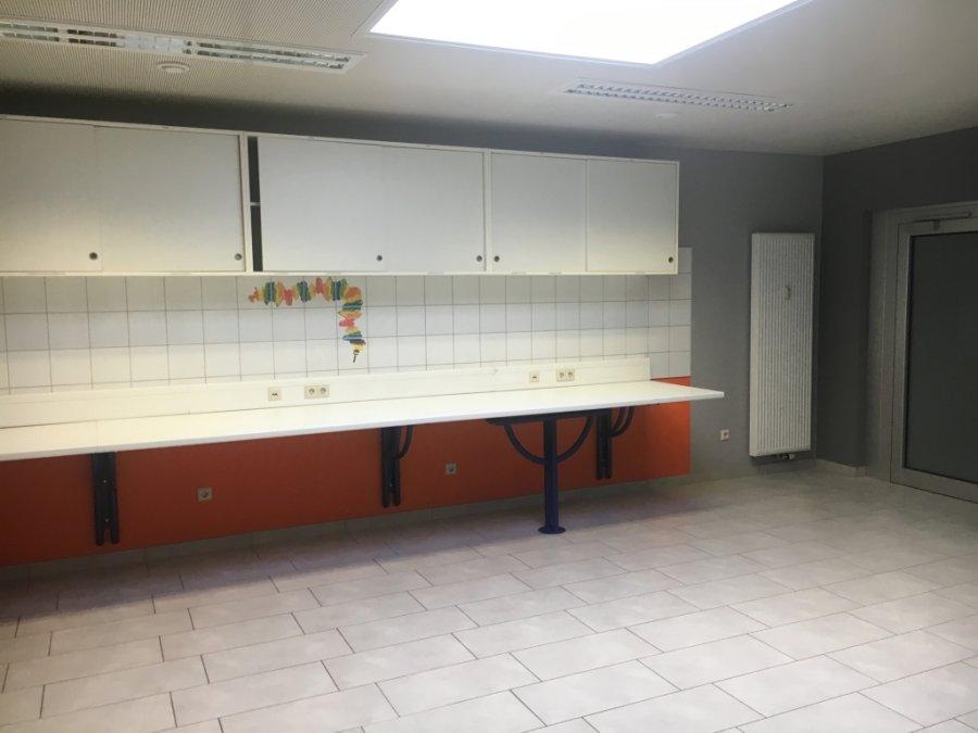 ladenfläche mieten 0 schlafzimmer 375 m² dudelange foto 2