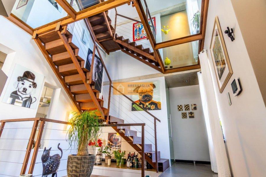 Maison à vendre 8 chambres à Fentange