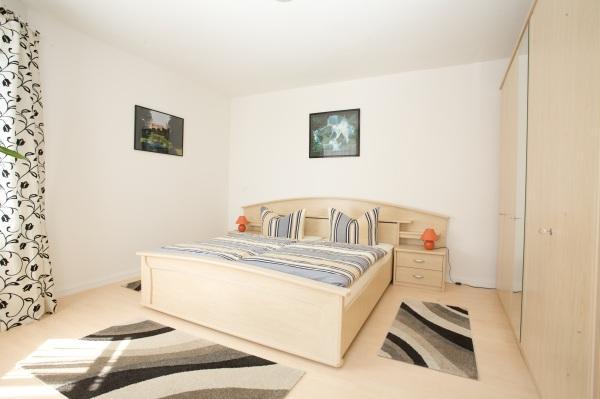 wohnung mieten schwerin 45 m 590 athome. Black Bedroom Furniture Sets. Home Design Ideas