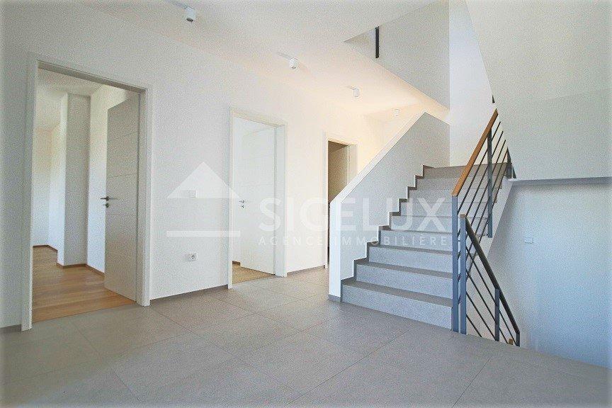 doppelhaushälfte mieten 7 schlafzimmer 300 m² bertrange foto 2