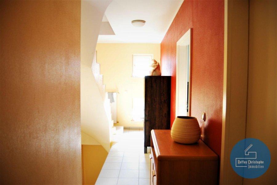 Version FR, voir ci-dessous. English version, see below   RCI - REFFAY Christophe Immobilien (691 661 661) presentéiert Iech hei  e grousst Haus vun 1997, mat enger Veranda, am Paffendall, een vun deenen eelste Quartier'en vun der Stad.  D'Haus ass esou agencéiert:  Um RDC: - 1 Entrée - 1 Garage vun  /- 9 m laang, fir e grousse Auto   Raumeck - 1 Duschraum mat enger Toilette - 1 Heizungsraum mat engem Gas-Chaudière  Um 1. Stack: - 1 voll agerichte oppe Kichen  - 1 Iesszëmmer  - 1 Wunnzëmmer mat enger schéiner Vue op d'Natur - 1 gehëtzten Veranda  Um 2. Stack: - 1 grousst Schlofzemmer - 1 aanert grouss Schlofzemmer - 1 Buedzëmmer  Um 3. Stack: - 2 grouss Schlofzemmeren déi nach mussen agericht gin  D'Haus huet och e Spaicher an 2 Parkplazen virun der Dier. Et ass an enger Niewestrooss mat wéineg Traffic.  VISITEN sin all Mettwochs vun 11 Auer bis 14 Auer op RDV.  Fir all Informatioun, kontaktéiert: RCI - REFFAY Christophe Immobilien 691 661 661 christophe.reffay@rci.lu  ---------------------------------------------------------------  RCI - REFFAY Christophe Immobilien (691 661 661) vous présente ici   une grande maison de 1997 avec une véranda à Luxembourg-Ville, dans le Paffenthal, un des plus vieux quartiers du Luxembourg.   La maison se compose ainsi :   Au RDC :   - 1 hall d'entrée - 1 garage de  /- 9 m de long, pour une grande voiture   du stockage - 1 salle de douche avec WC - 1 chaufferie avec une chaudière au gaz   Au 1er étage :  - 1 cuisine complètement équipée donnant sur  - 1 salle-à-manger ouverte sur  - 1 salon avec une belle vue sur la nature - 1 véranda chauffée  Au 2e étage :  - 1 grande chambre  - 1 autre grande chambre  - 1 salle de bains   Au 3e étage :  - 2 grandes chambres à aménager  La maison dispose aussi d'un grenier pour le stockage et de 2 emplacements de parking.  Elle est située dans une rue secondaire avec peu de trafic.   VISITES : les mercredis d'11 h à 14 h sur RDV.  Pour tout renseignement, merci de contacter :  RCI - REFFAY Christo