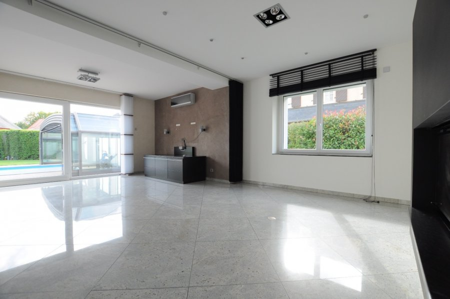 Maison individuelle à vendre 4 chambres à Strassen