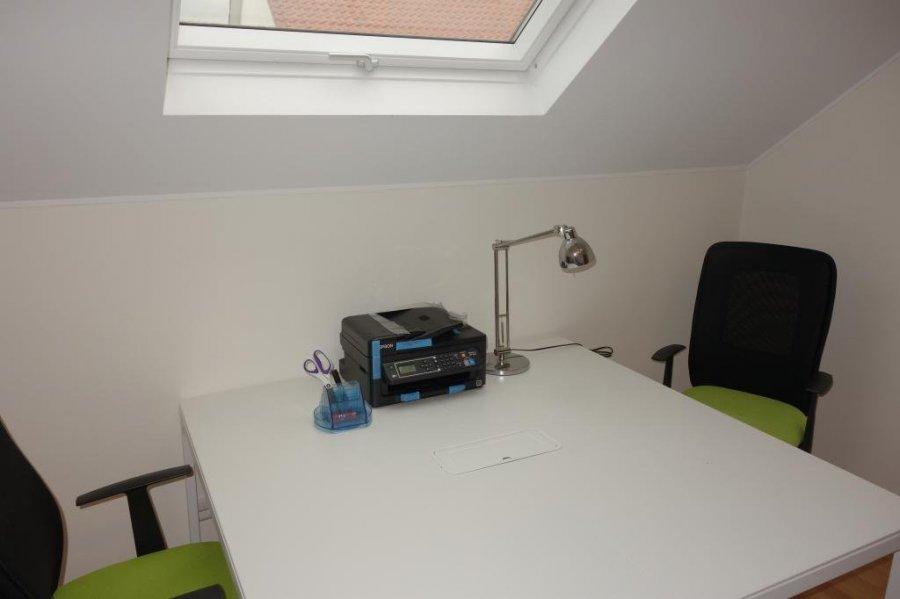 louer bureau 0 chambre 14 m² mamer photo 2