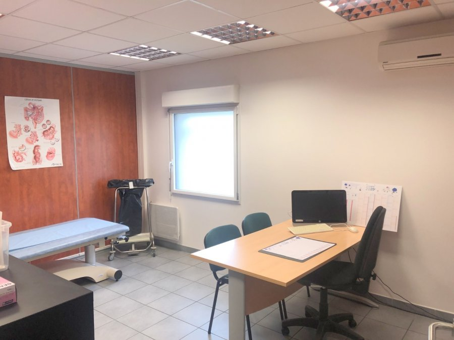 louer bureau 0 pièce 113 m² metz  photo 2