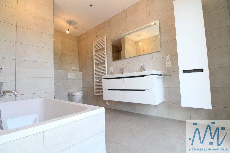 louer maison mitoyenne 5 chambres 250 m² luxembourg photo 1