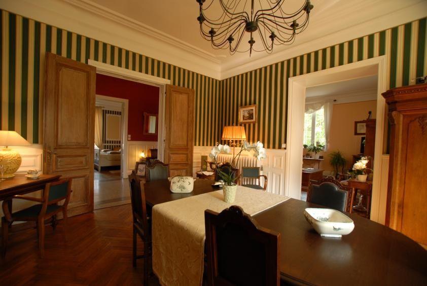 Château à vendre 9 chambres à Villers-la-montagne