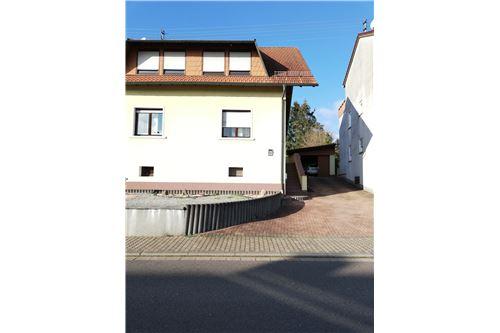 haus kaufen 4 zimmer 185 m² nalbach foto 1