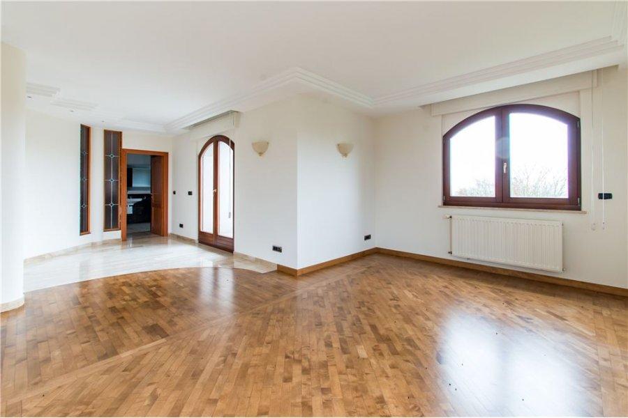 Maison à vendre 5 chambres à Hesperange