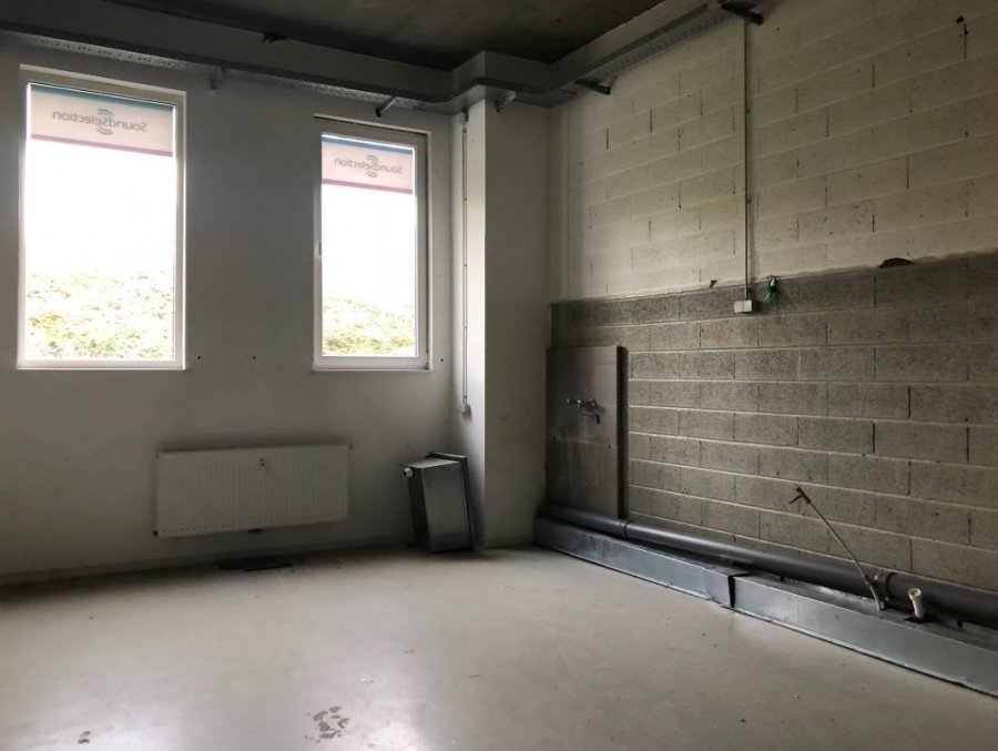 louer bureau 3 chambres 171 m² ehlange photo 4