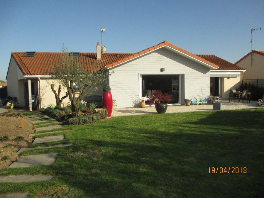 Maison individuelle en vente saint macaire en mauges for Acheter maison saint xandre