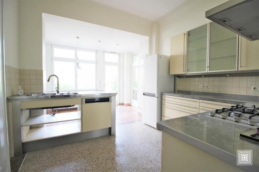 louer maison mitoyenne 6 chambres 250 m² luxembourg photo 4