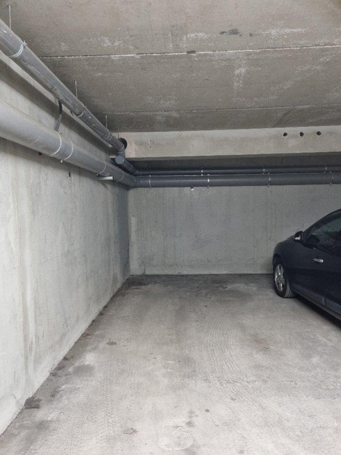 Garage - Parking à louer à Thionville