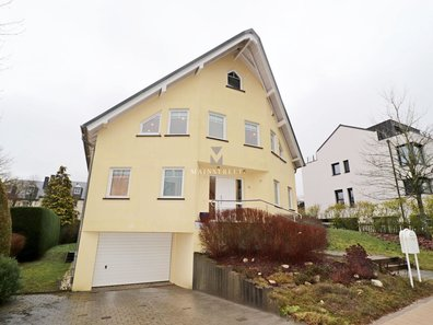 House for sale 4 bedrooms in Contern - Ref. 6666573
