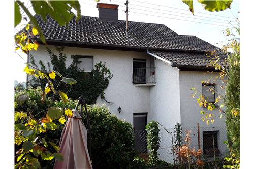 detached house for buy 10 rooms 160 m² lebach photo 1