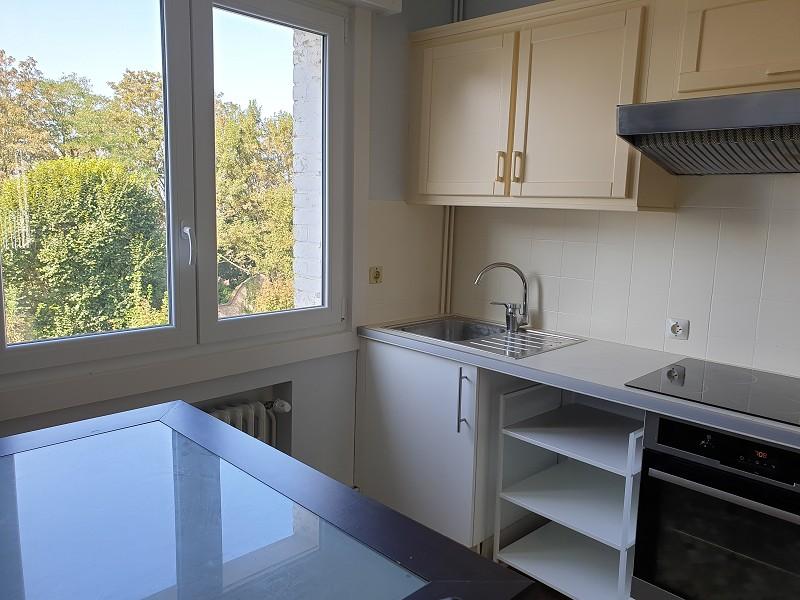 louer appartement 0 pièce 69 m² la madeleine photo 2