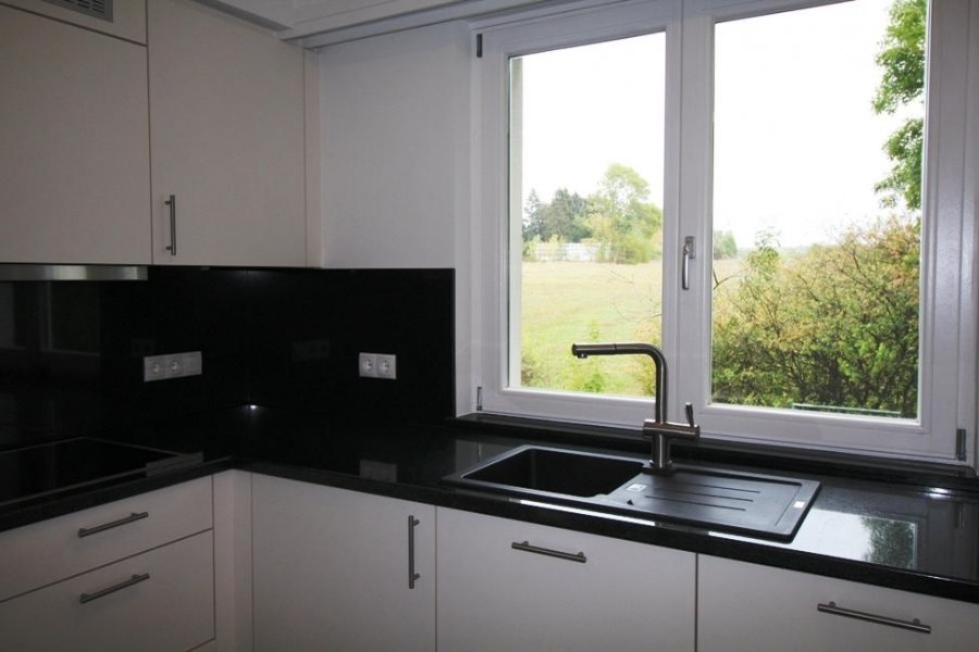 louer maison mitoyenne 3 chambres 200 m² strassen photo 3