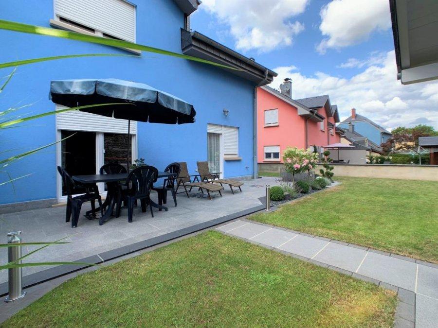 Maison jumelée à vendre 5 chambres à Ermsdorf