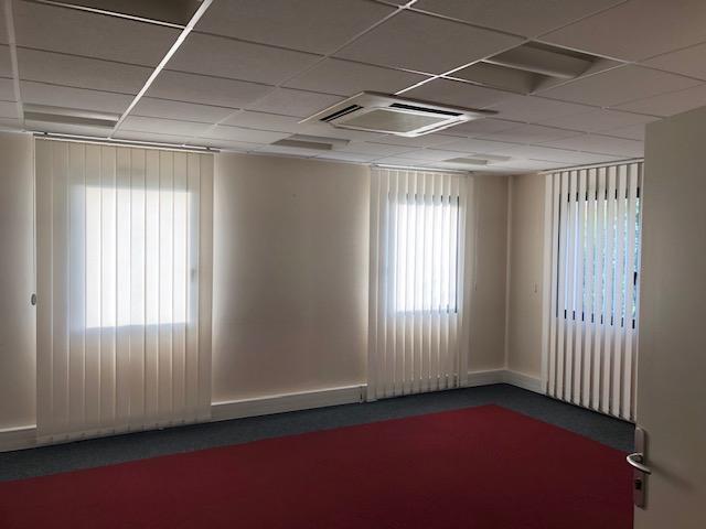 louer bureau 18 pièces 387 m² metz photo 4