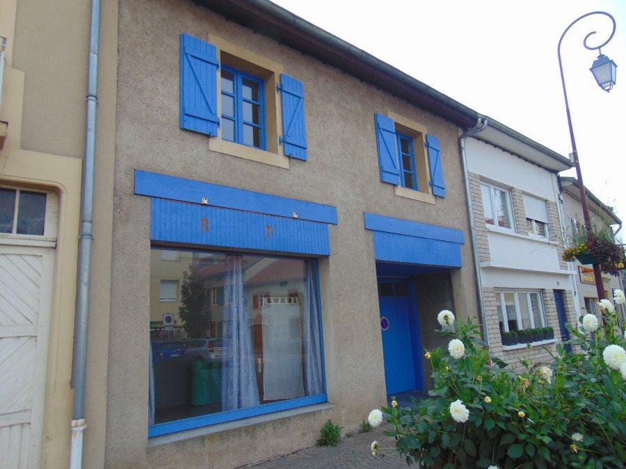 Immeuble de rapport à vendre à Manom