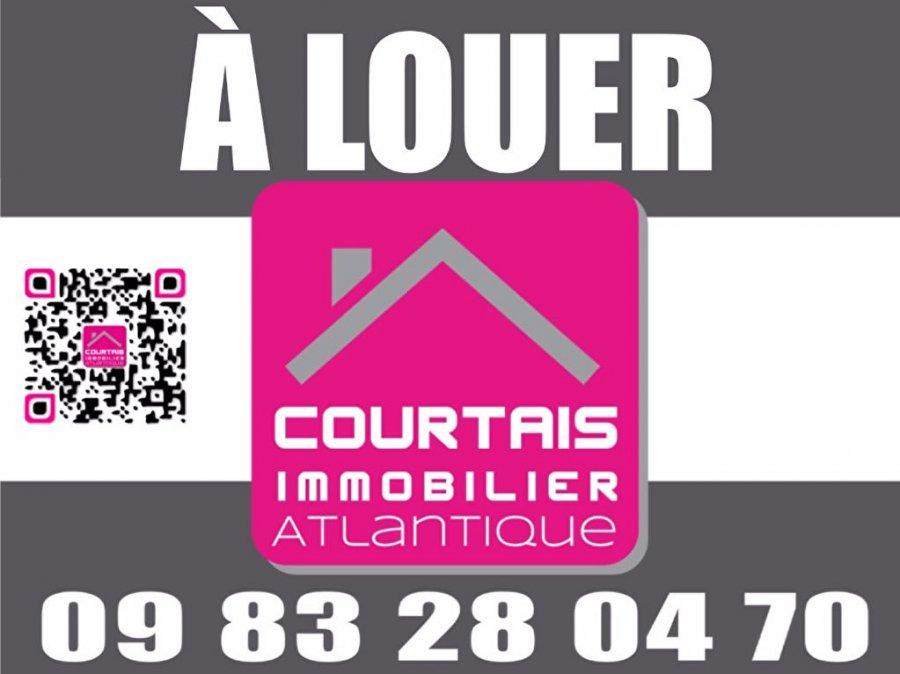 louer local commercial 2 pièces 43 m² saint-gilles-croix-de-vie photo 7