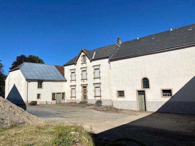 Corps de ferme à vendre 4 chambres à Eschdorf