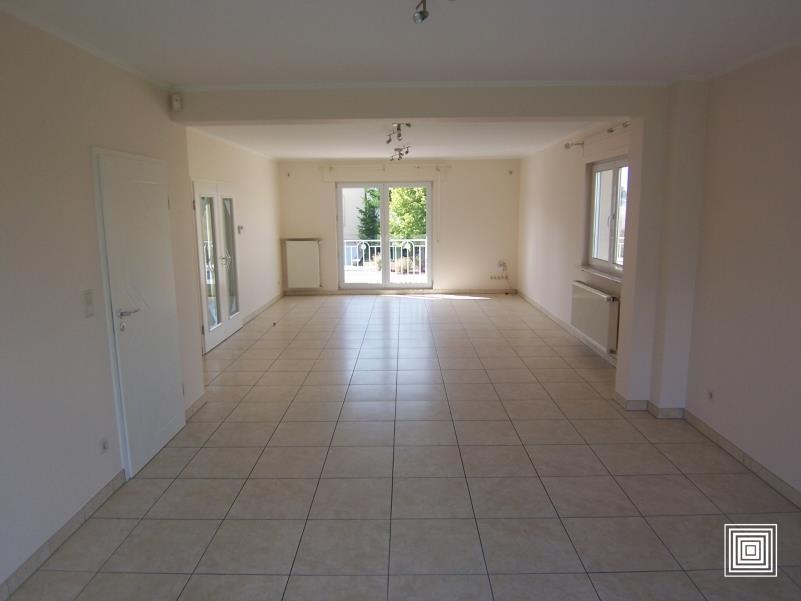 louer maison jumelée 4 chambres 225 m² strassen photo 3