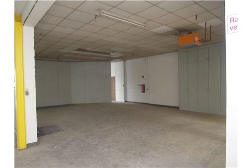 lagerfläche mieten 3 zimmer 0 m² schwalbach foto 4