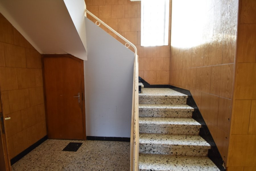 Maison à vendre 6 chambres à Mondercange