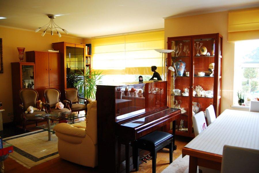 RCI ? REFFAY Christophe Immobilien vous présente ici une grande maison lumineuse de +/- 180 m2 habitables, 230 m2 au total, à Dippach.   Cette maison de +/- 180 m2 compte 5 belles chambres, 2 salles de bains, un grand salon / salle-à-manger et une grande cuisine avec en enfilade une pièce pour le stockage des denrées.   La maison dispose d\'un grenier pour le stockage et d\'un garage pour un voiture.   Au sous-sol on trouve une grande salle de billard avec rangement, une belle cave à vins, une grande buanderie toute équipée (machines surélevées) et une salle de sport avec sauna.   Un bel espace extérieur (terrasse + jardin) vous offre la possibilité de passer de longues soirées estivales au calme et à l?abri des regards.  Une maisonnette de jardin permet de mettre le mobilier de terrasse à l\'abri.   Le terrain à une superficie totale de 5,40 ares.   N\'héistez pas à venir visiter cette belle maison en contactant RCI - REFFAY Christophe Immobilien christophe.reffay@rci.lu 691 661 661   ----------------------------------------------------  RCI - REFFAY Christophe Immobilien presents here a big bright house of +/- 180 m2, 230 m2 in total, in Dippach.  This house of +/- 180 m2 has 5 beautiful bedrooms, 2 bathrooms, a large living / dining-room and a large kitchen with a room for storing food.  The house has an attic for storage and a garage for one car.   In the basement there is a large billiard room with storage space, a beautiful wine cellar, a large fully equipped laundry room (raised machines) and a gym with sauna.  A beautiful outdoor area (terrace + garden) offers the possibility of spending long summer evenings quiet and private. A small garden house allows to put the terrace furniture to the shelter.  The land has a total area of 5,40 ares.  Do not hesitate to visit this beautiful house by contacting RCI - REFFAY Christophe Immobilien christophe.reffay@rci.lu 691 661 661 Ref agence :V_2019_17